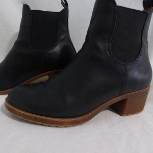 BLACK ankle boots with 1.5 inch heel EUC, size 39